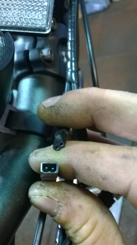 Brake engae / motor disengage connection