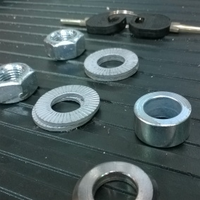 Axle bolts for rear wheel and key
